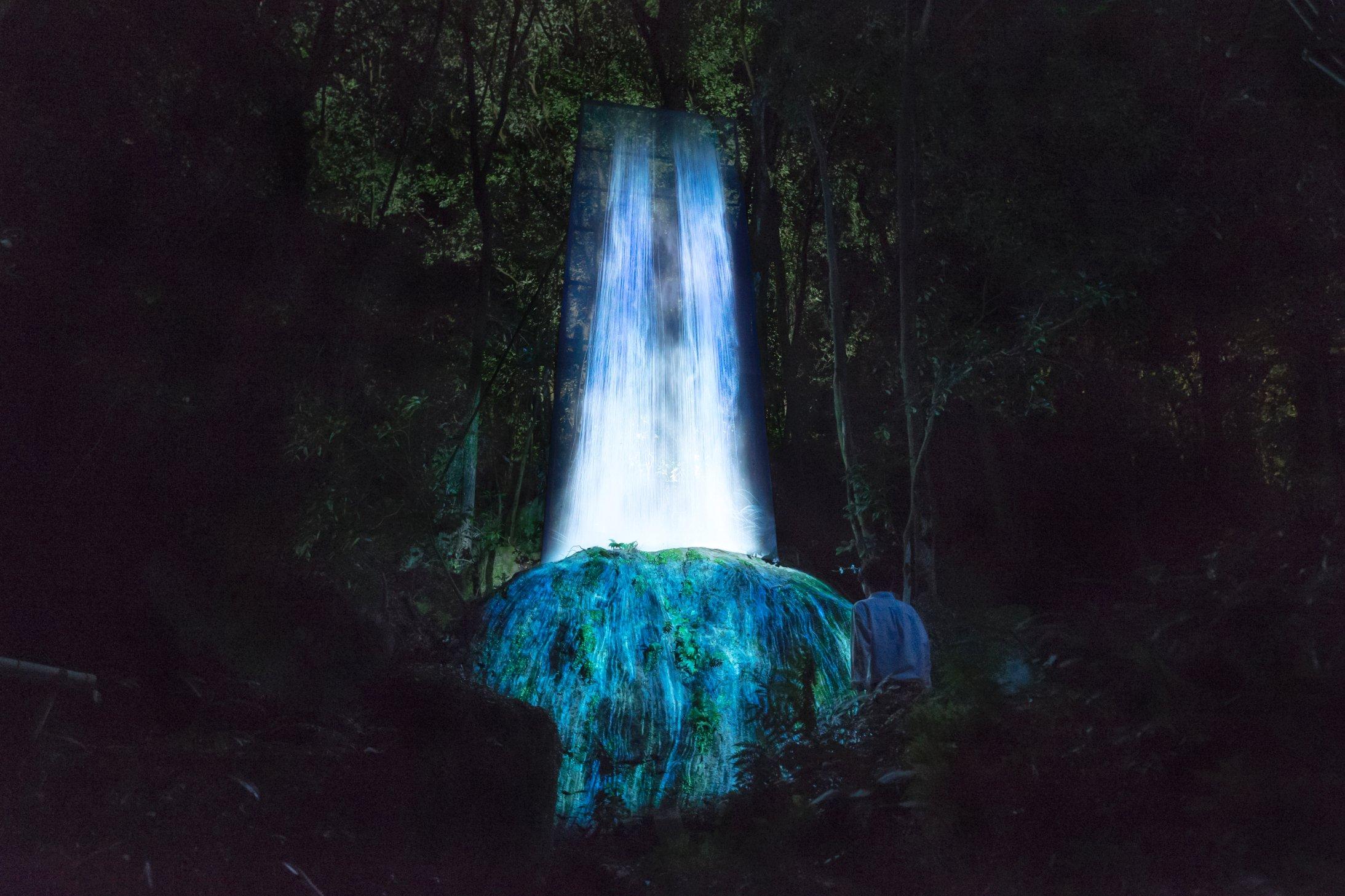 171026124009-teamlab-japan-waterfall